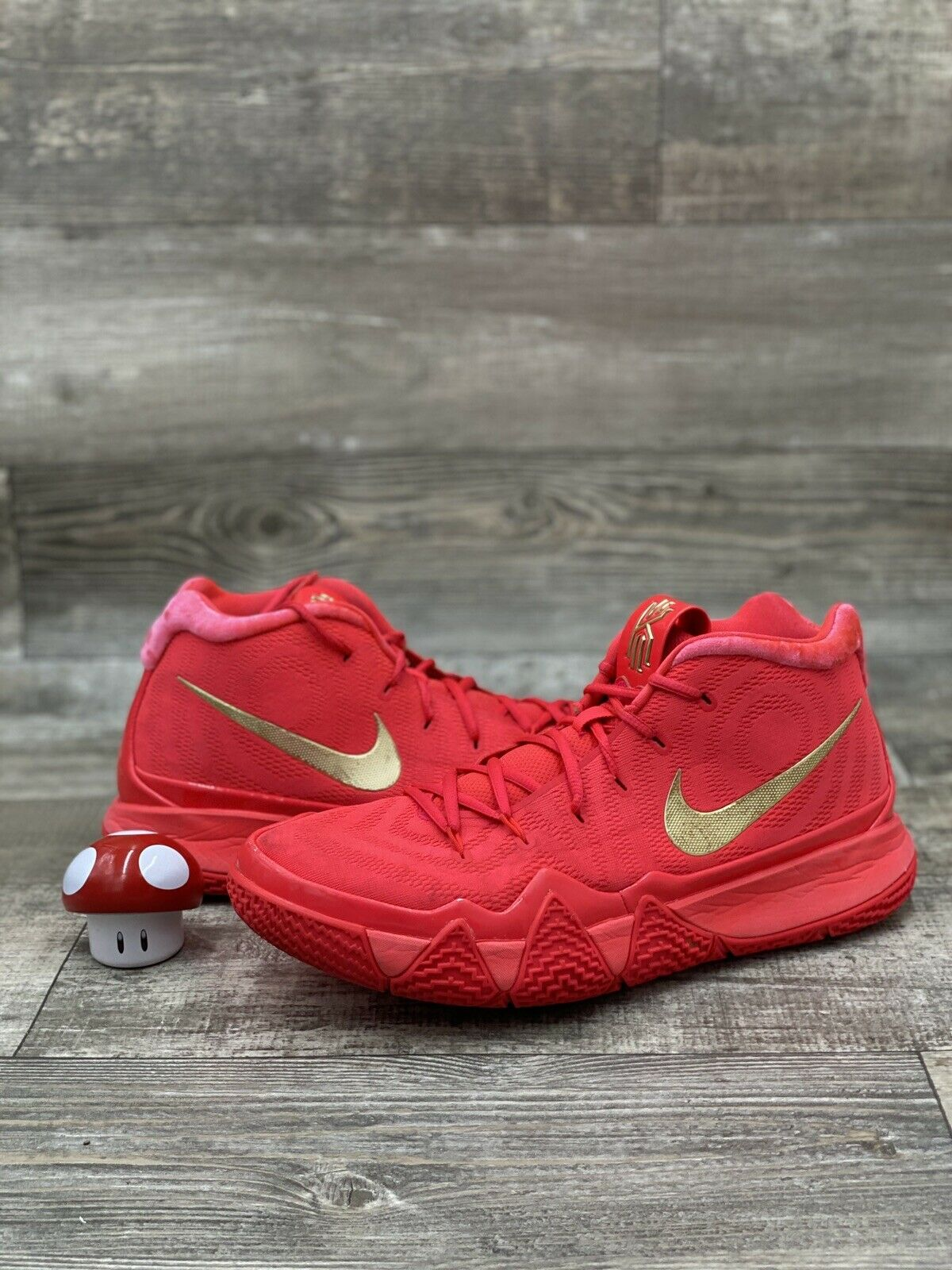 red carpet kyrie 4s