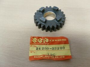 SUZUKI-GSX400F-5th-Gear-Wheel-Nos-Part-24250-33200-952