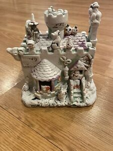 Vtg-Rare-Halloween-Werewolf-s-London-Ceramic-Light-Up-House-Piece