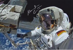 Original signiertes 20x30-Foto ESA-Astronaut Alexander Gerst - Astro-Alex Sojus