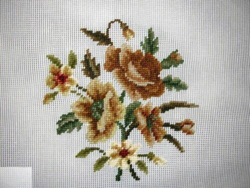 EP 1044//4 Vintage Beige Rose Floral Needlepoint Canvas