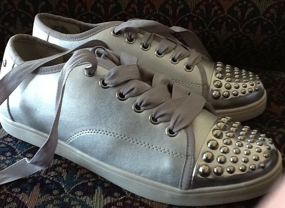 ASTRO STUNNERS RetiROT SIMPLY VERA (Wang) PIPERSILVER Tennies SIZE 9 - NWOT