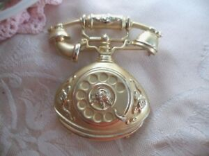 RETRO-VINTAGE-GOLD-TELEPHONE-LARGE-FIGURAL-BROOCH-PIN