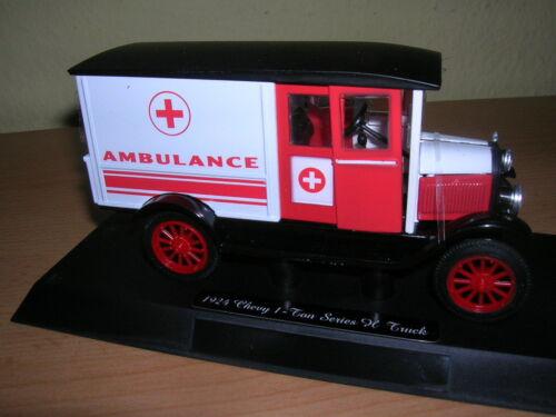 NewRay Chevy Serie H I-Ton Truck 1923 Ambulance Krankenwagen 1:32  Spur 1
