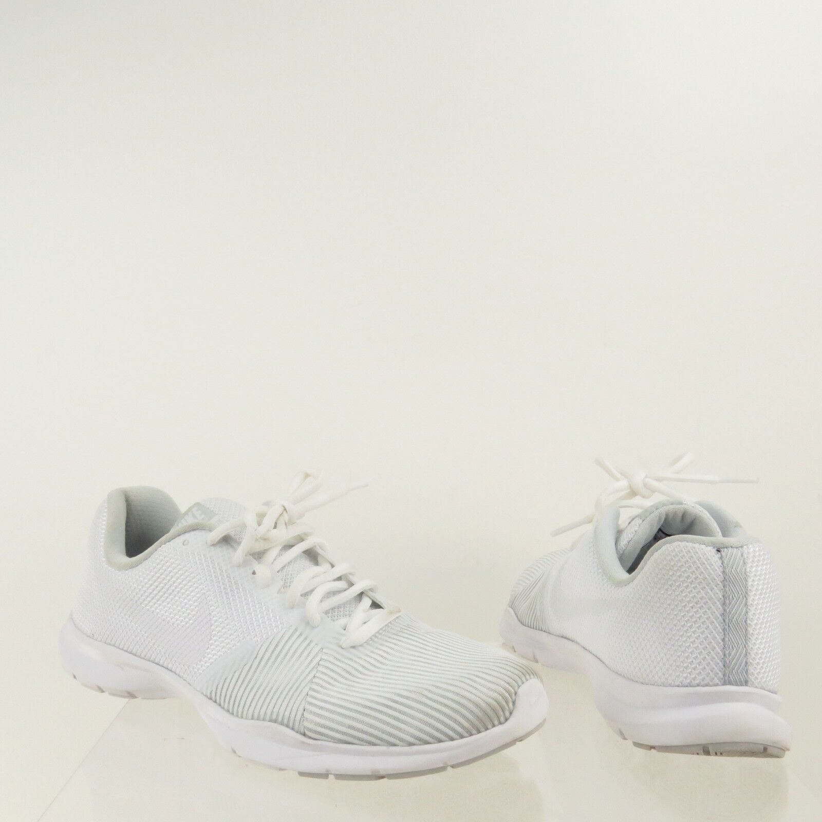 Women's Nike Flex Bijoux Shoes White Synthetic Running Sneakers Comfortable best-selling model of the brand
