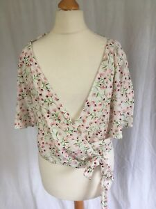 d6074f4d Zara Size XS Floral Printed Wrap Top Ivory V-Neck Crossover Pink ...