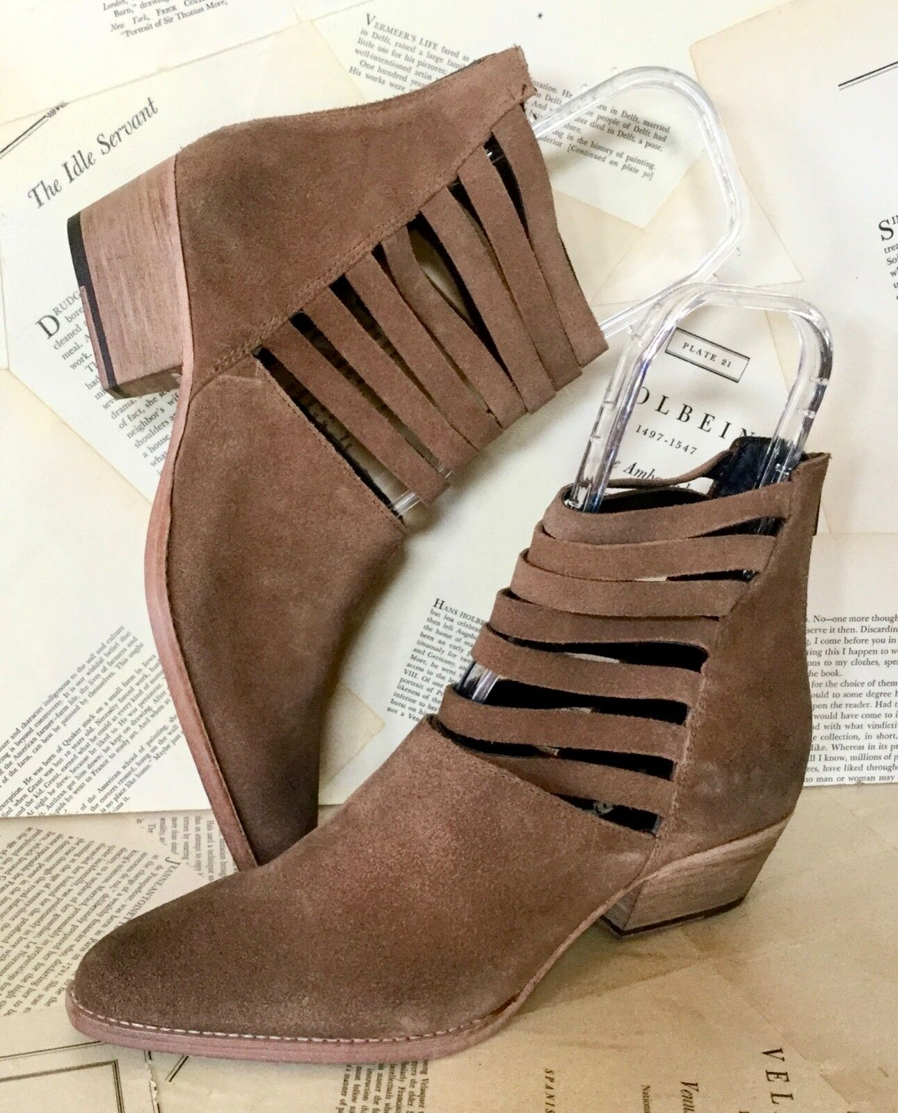 si affrettò a vedere NEW Free People tan Marrone Suede Suede Suede Strappy Cut Out Back Zip Ankle avvio 40 9- 9-5  nuovo di marca