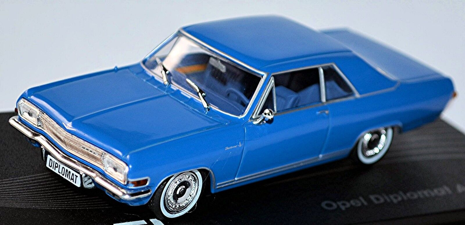 Opel Diplomat a Coupe V8 1965-67 bluee bluee 1 43