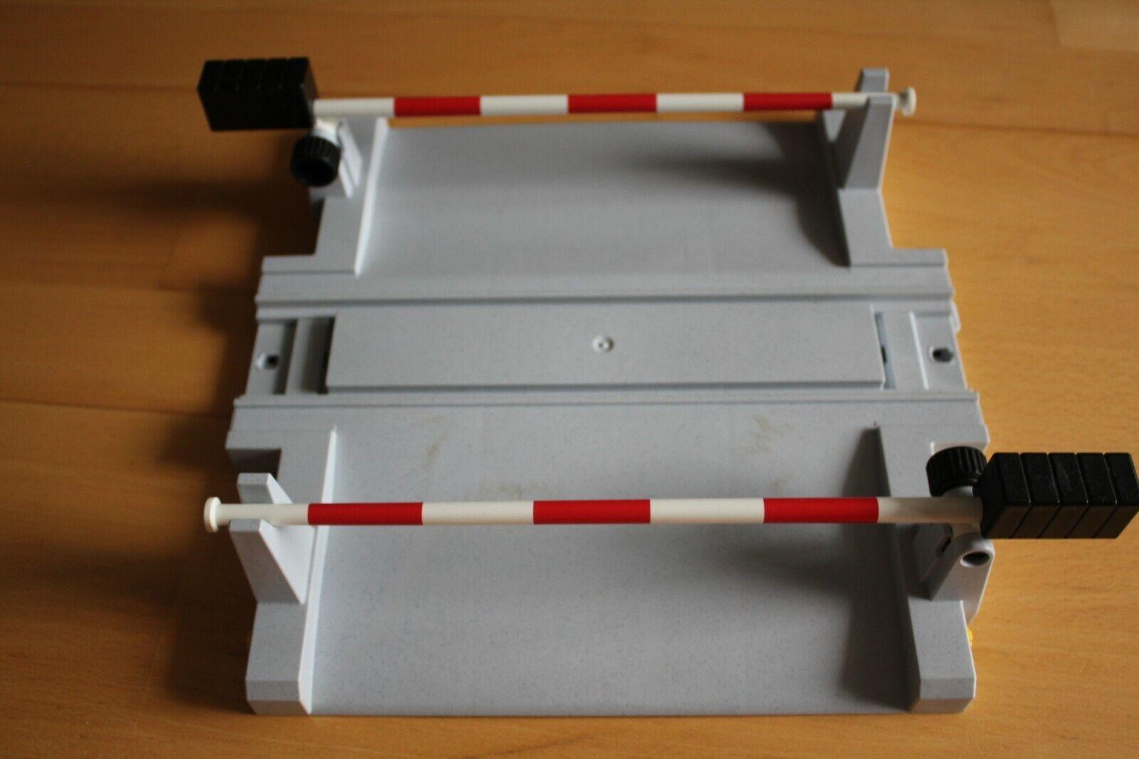 FALLER 120171 Beschrankter Bahnübergang mikroprozessorgesteuert H0