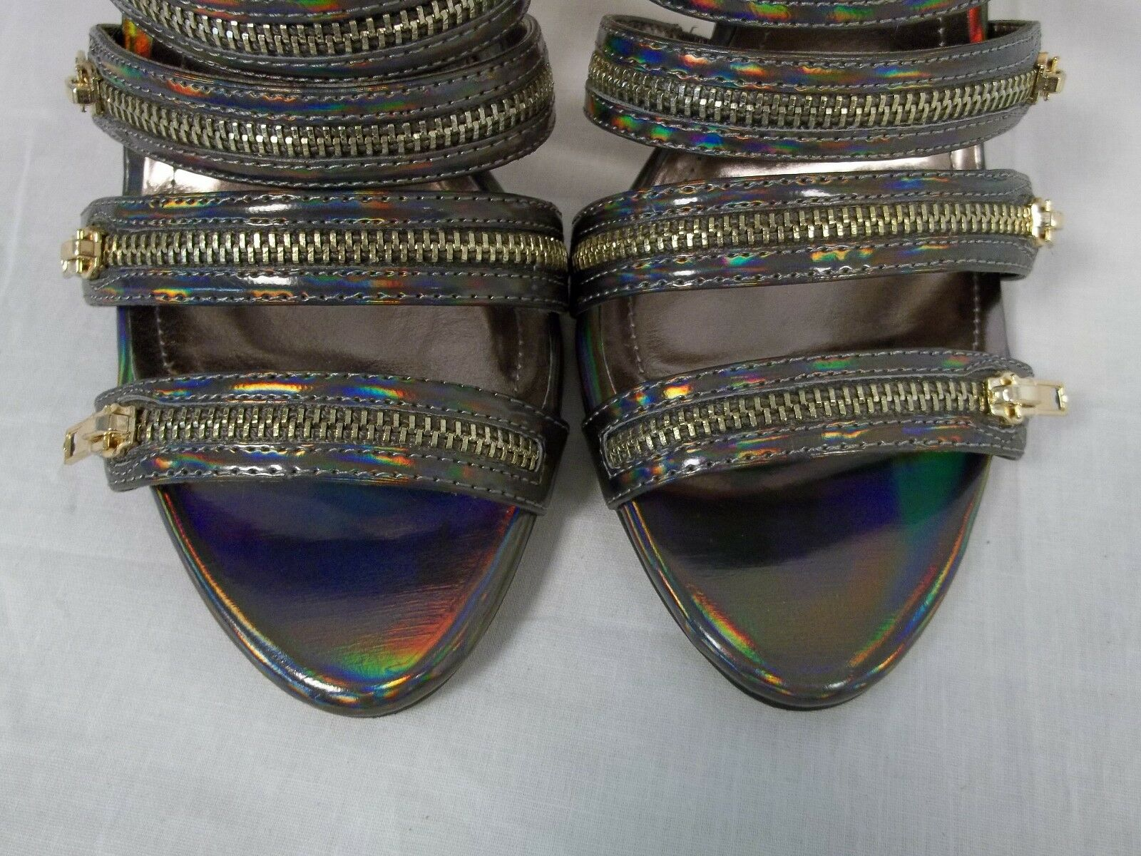 BCBGeneration BCBG Bronze Größe 6.5 M Casey Bronze BCBG Hologram Heels New Damenschuhe Schuhes NWB 5c5041