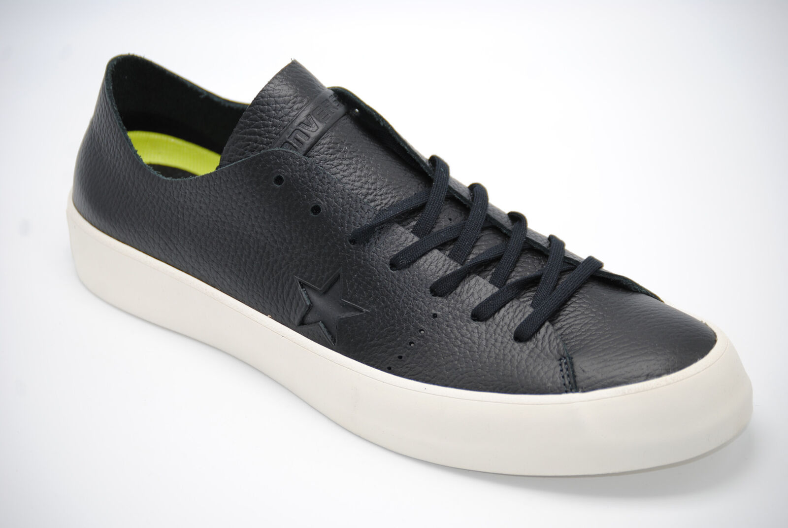 0578c1931ad6 Authentic Converse One Star Prime Low Top US Men s 7 - 13 11 for ...