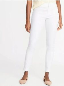 White NWT Old Navy Women/'s Mid-Rise Pixie Chino Pants Size 8