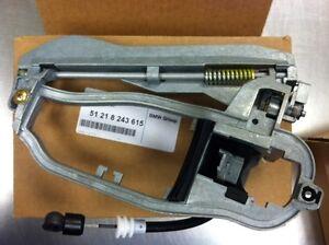 51218243615 NEW BMW X5 FRONT LEFT EXTERIOR DOOR HANDLE FRAME // CARRIER