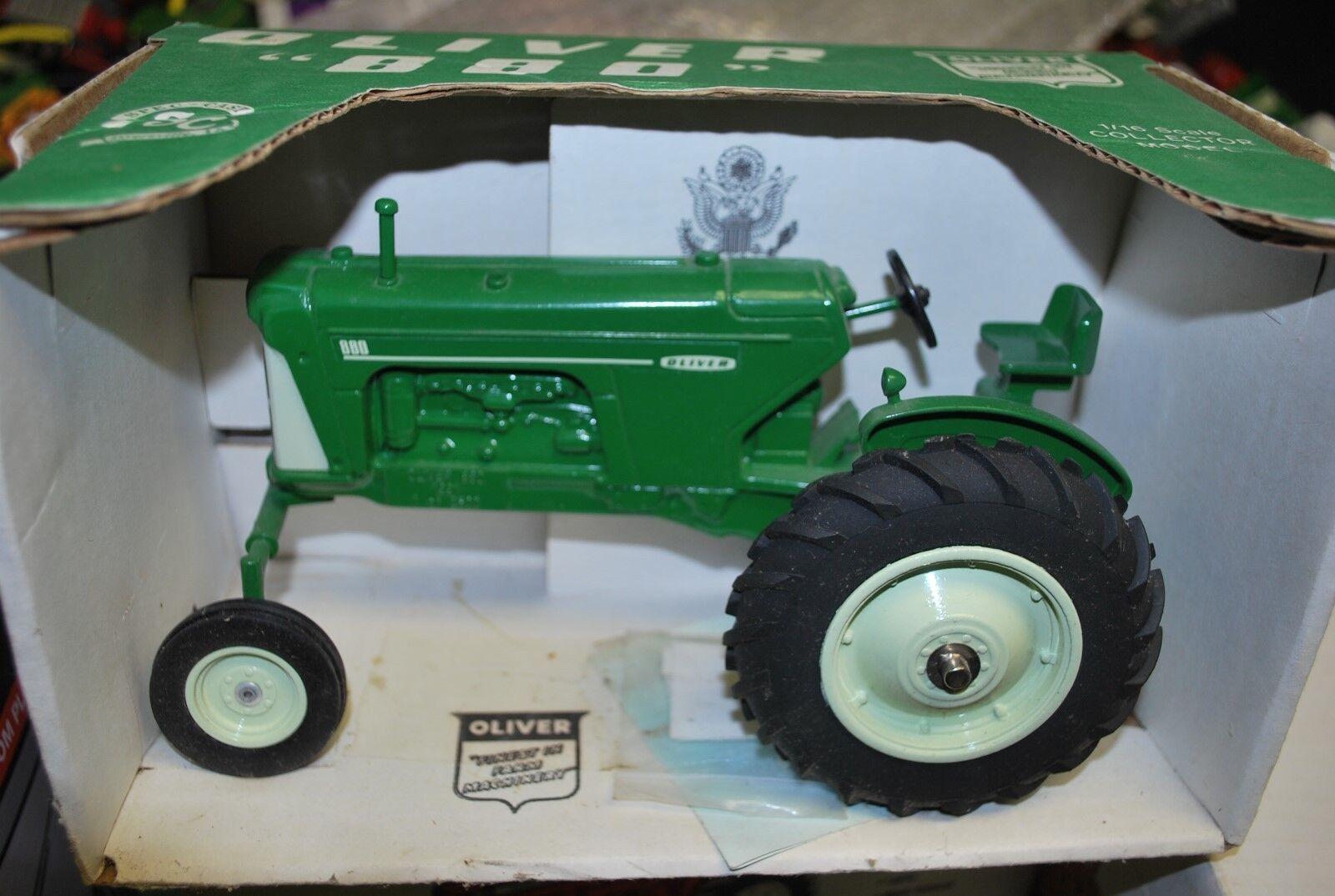 1 16 Oliver 880 Tracteur W   Large devant, Spec Cast, Neuf Emballé &