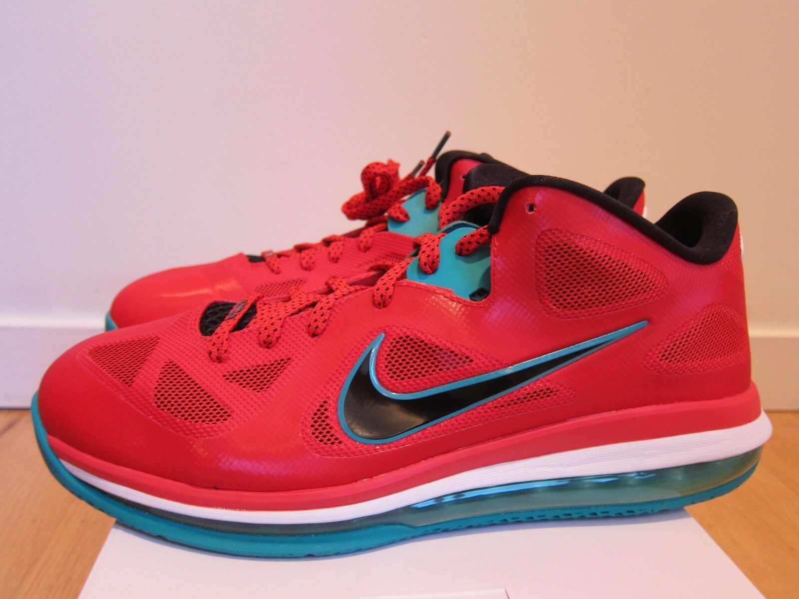 Nike Air Lebron 9 Low Liverpool Action Red Black Green White size 12.5
