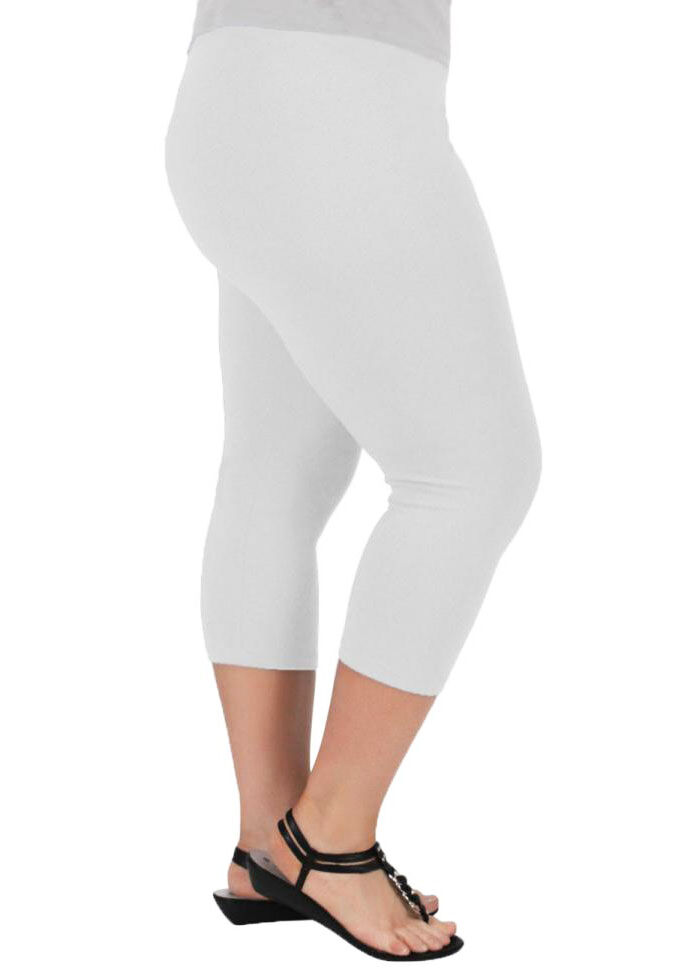 Plus size pants offer the comfort that you need with the fresh styles that you want. Each pair is designed to help plus size women dress for any occasion while enjoying a flattering fit. From leggings to pressed trousers, find the perfect pair of plus size pants from Sears.
