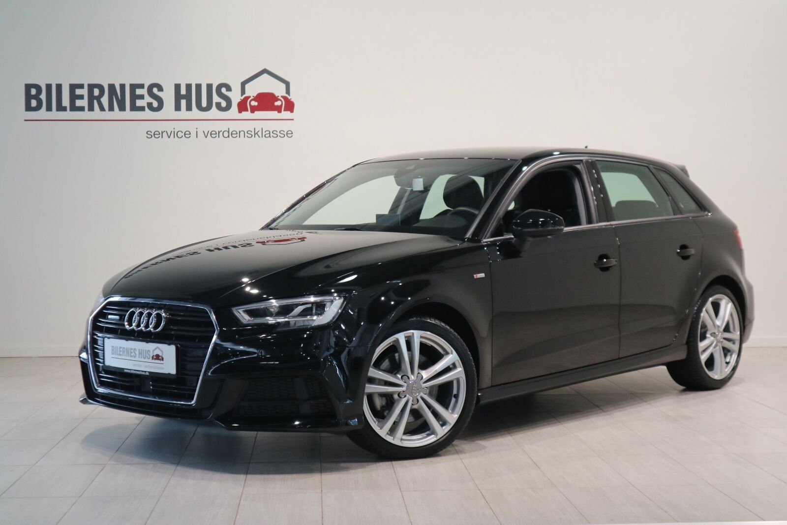 Audi A3 40 TFSi Limited+ Sportback quattro S-tr 5d - 344.900 kr.