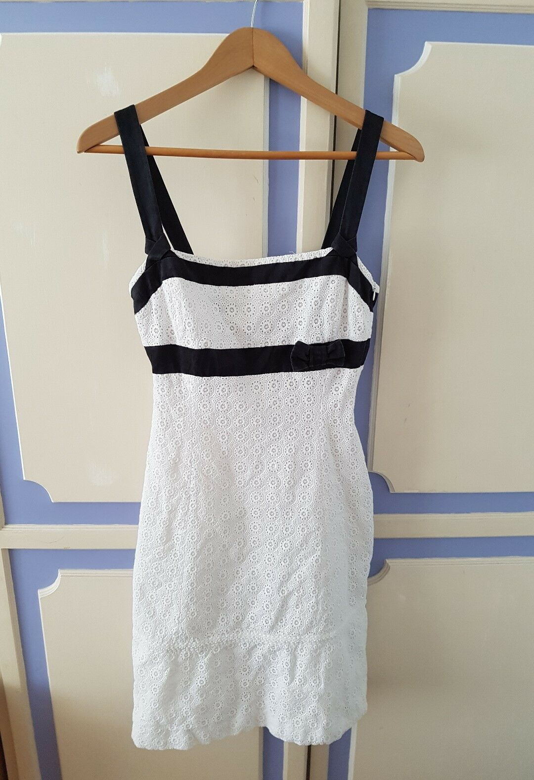 Gorgeous Karen Millen Summer Fitted Dress, size UK10 - VGC