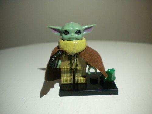 Custom Baby Yoda THE CHILD figure minifig magnum blaster gun with Lego Frog v2