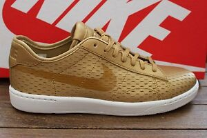the best attitude 99d9d e1091 Image is loading Womens-Nike-Tennis-Classic-Ultra-PRM-Trainers-749647-
