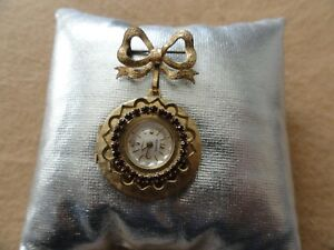 Swiss-Made-Semag-17-Jewels-Mechanical-Wind-Up-Brooch-Pin-Watch