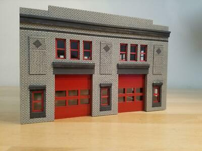 HO sale 1//87 Chicago Style Fire Station Built and ready with operating doors