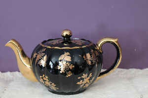 VINTAGE-GIBSONS-ENGLAND-BLACK-TEAPOT-WITH-GOLD-FLORAL-ACCENTS-AND-TRIM-ENGLAND
