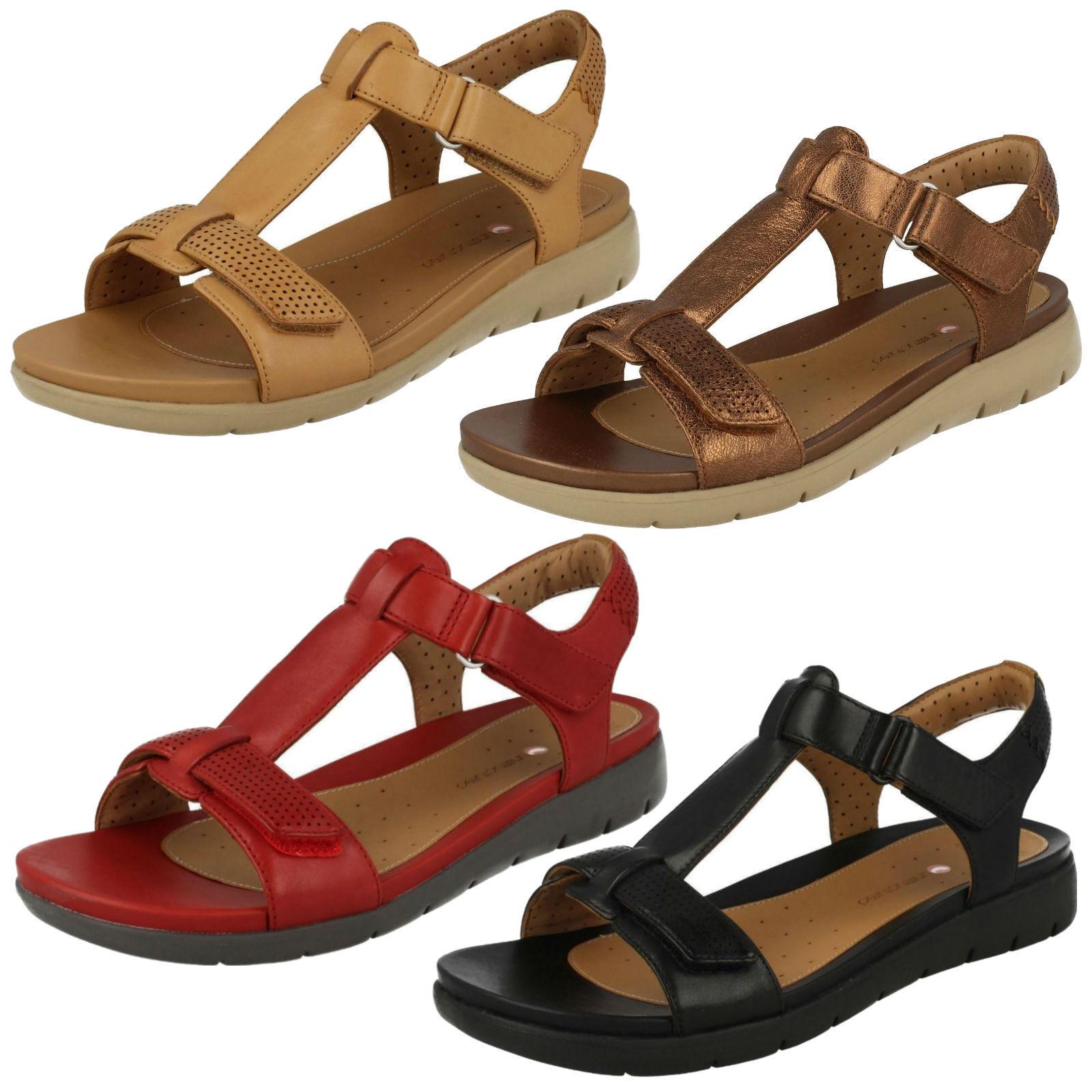 Sandali Donna Clarks in pelle non strutturati Riptape Casual T Bar Estate Sandalo ONU Haywood