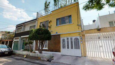 Casa en venta con enormes espacios cerca del Parque de los Venados