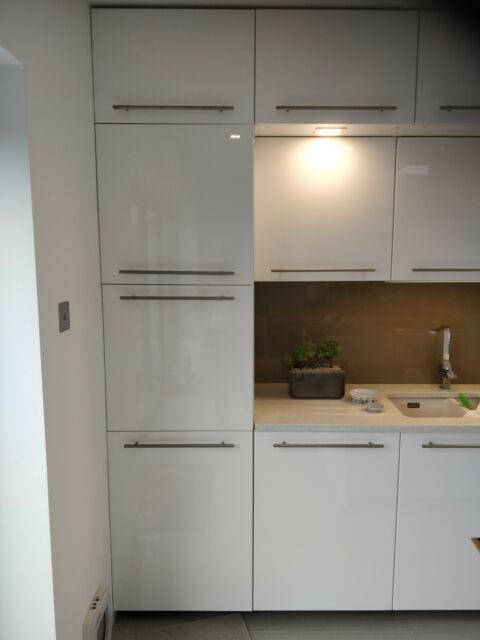 Pair Of 2 Mfi High Gloss White Kitchen Cabinet Doors 400 X 720 For Sale Ebay