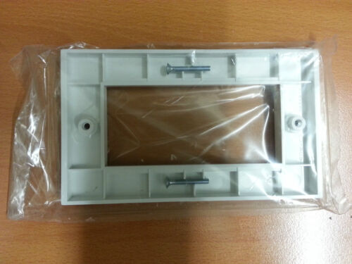 1pc x 2g PRESSAC uk made Faceplate Blanc Vis Euro 25x50 double 4 quatre module