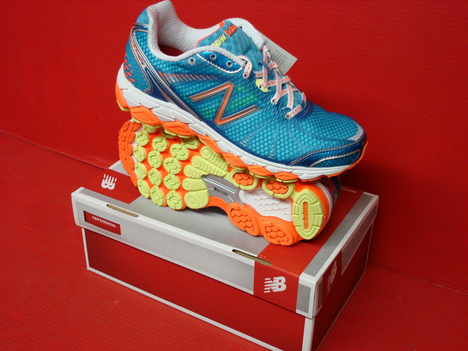 NEW BALANCE  WOMENS RUNNING W880