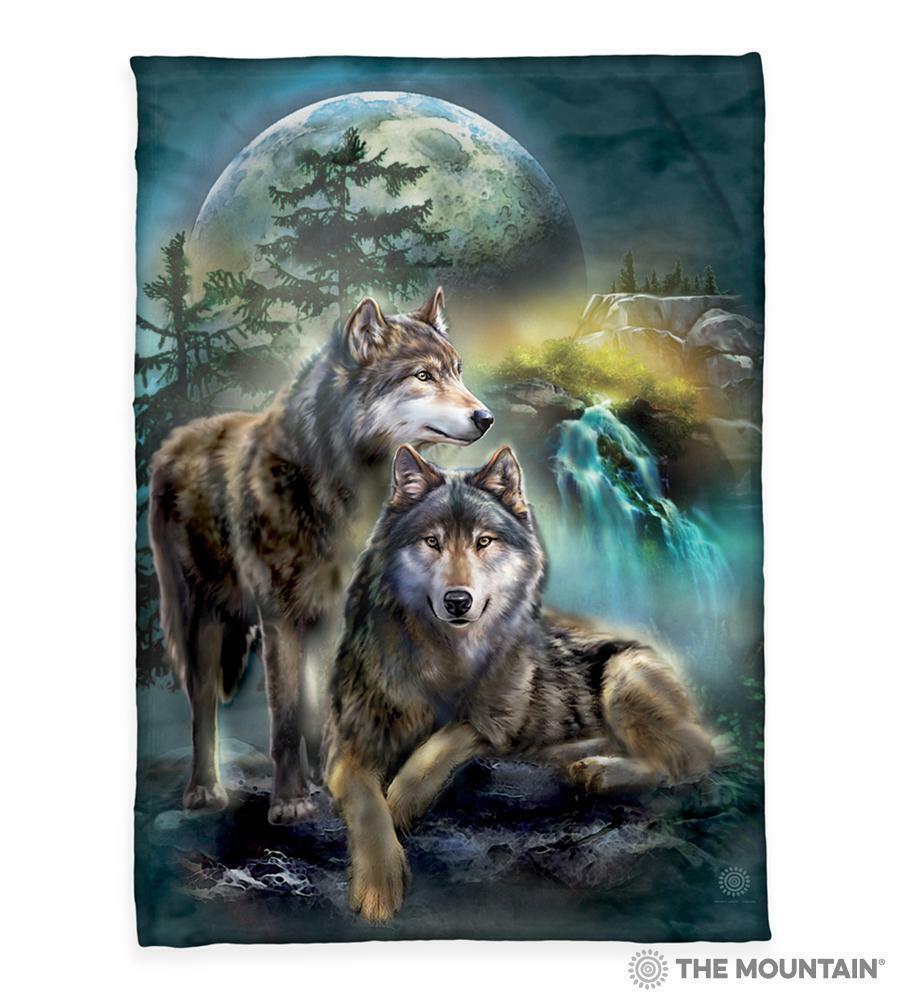 Wolf Lookout 50x60  Sherpa Fleece Blanket The Mountain (2349781)
