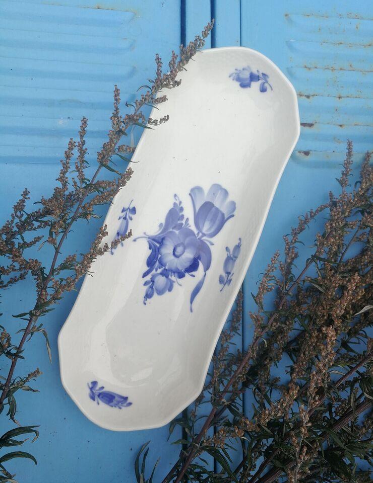 Porcelæn, Royal Copenhagen. Aflangt blå blomst fad