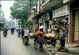 HANOI-Ha-N-i-Vietnam-Postkarte-Postcard-Hang-Gai-Street-Strassen-Verkauf-Asien