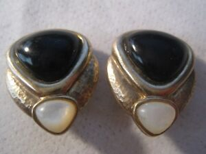 Onyx Vermeil and pearl.