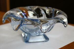 Vintage-1930s-British-Pressed-Art-Glass-Dish-Pretty-Blue-Bowl-Droopy-Wavy-Rim