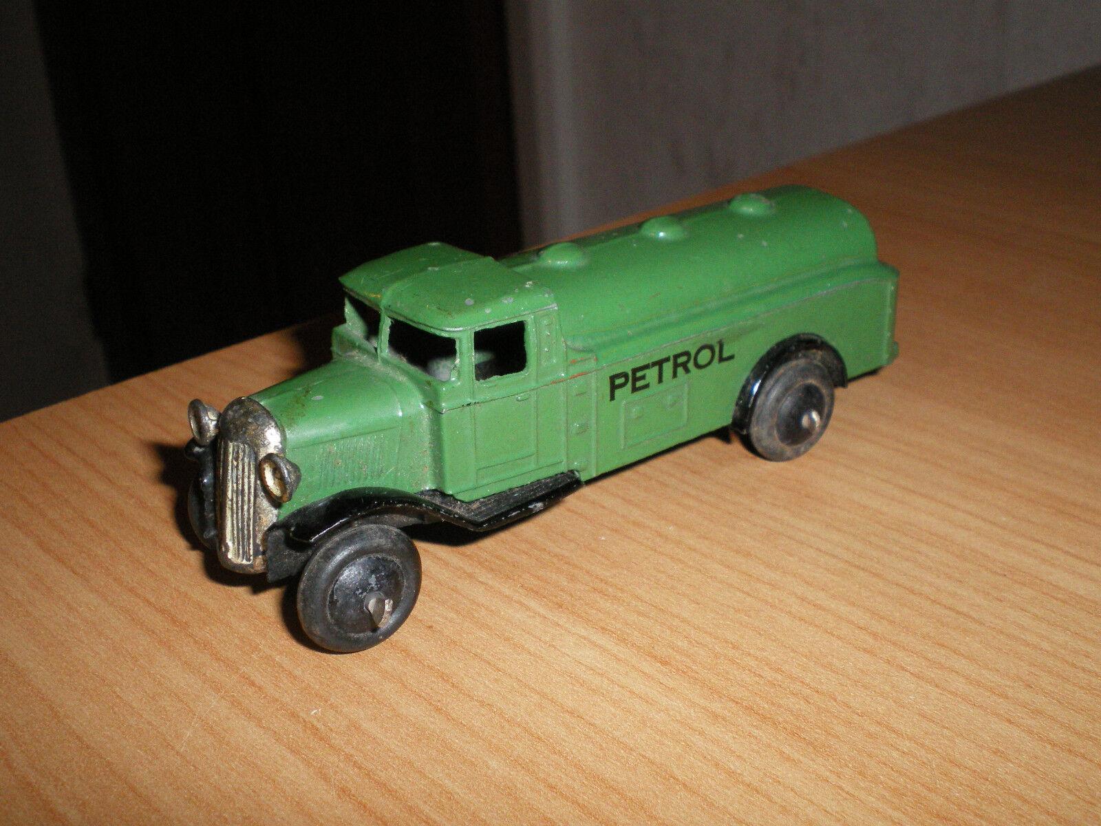 Dinky 25d Petrol Tank Wagon Type 2