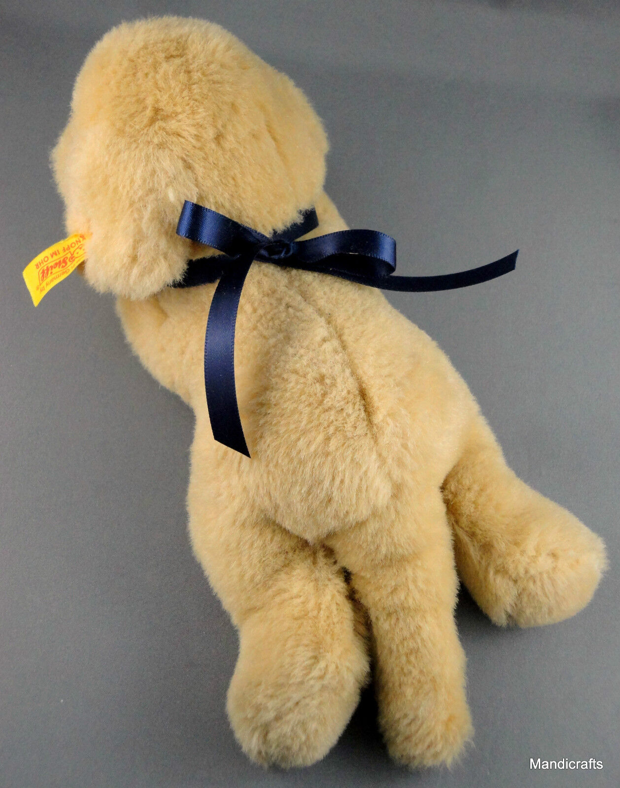 Golden Retriever plushie  Lumpi made by Steiff 10inch long lying puppy