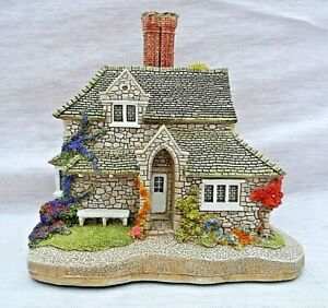 VINTAGE-LILLIPUT-LANE-SWEET-BRIAR-COTTAGE-WITH-ORIGINAL-BOX-WITH-DEEDS-PERFECT