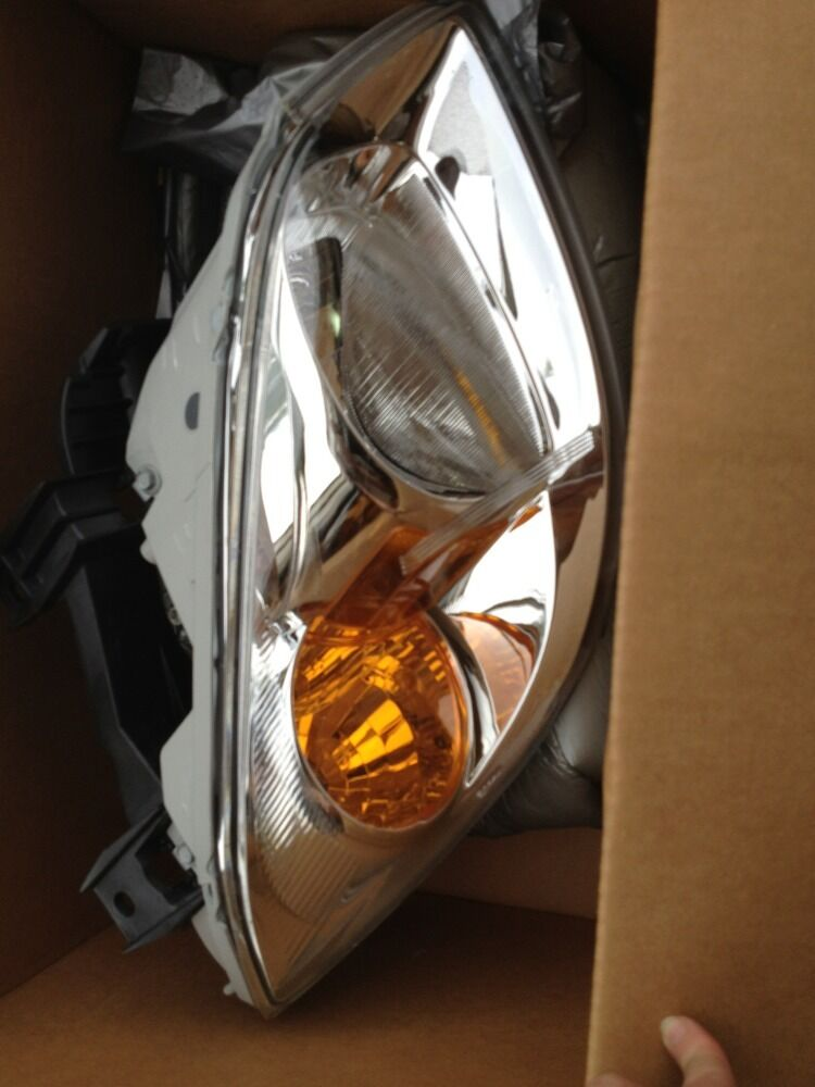 25784530 O.E.M. HEADLAMP  05-08 COBALT 05-08 PURSUIT RT Gm Chevy New Factory  authentic online