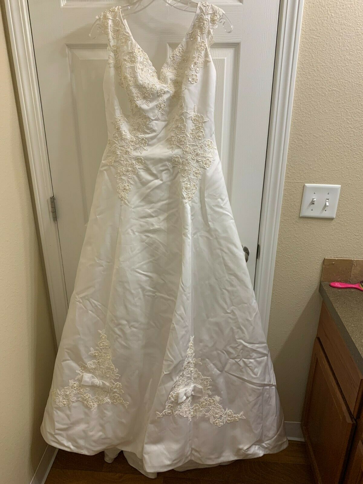 Michelangelo Ball Gown Style Satin Embroidered Sequined Wedding Dress Size 16