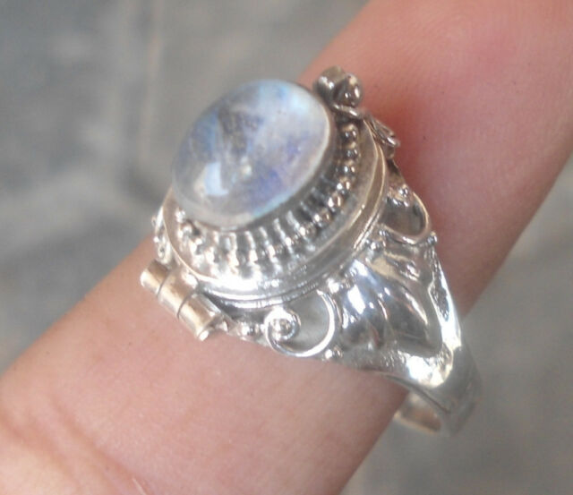 RB065-925 Sterling Silver Balinese Box Locket Ring With Rainbow Moonstone Size 8