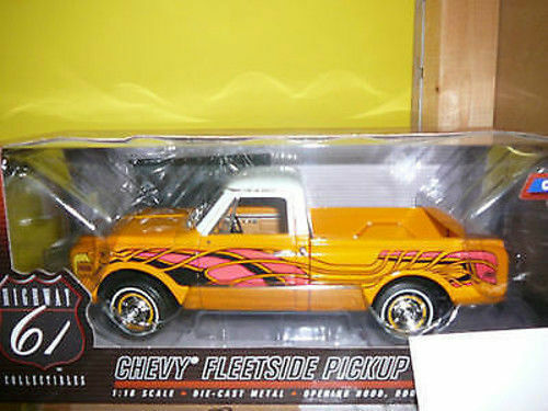 1 18 hochway 61 1972 CHEVY FLEETSIDE CHEYENNE CST C10 PICKUP WITH EAGLE DECAL