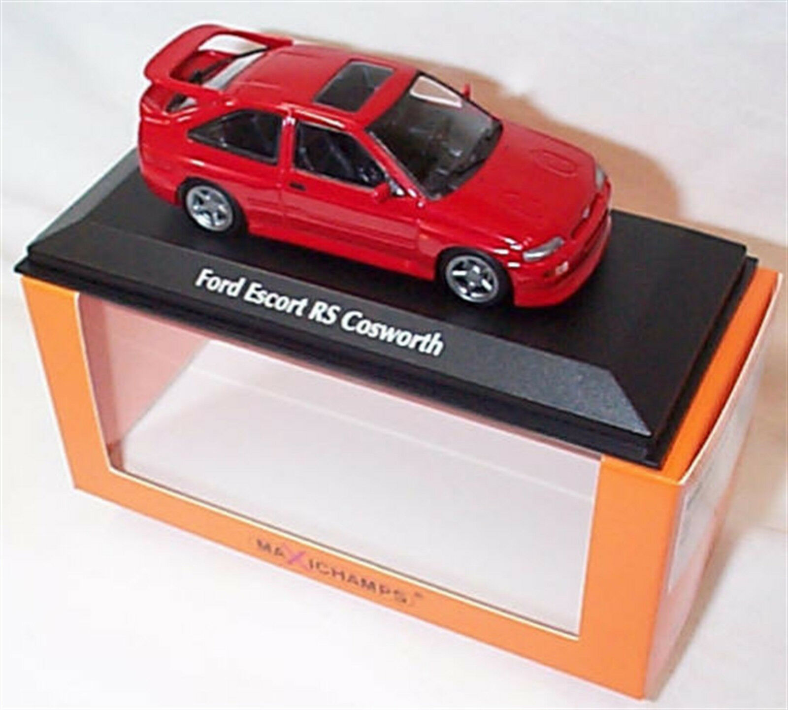 Ford Escort RS Cosworth 1992 RED New in Box  1-43 Minichamps 940082100
