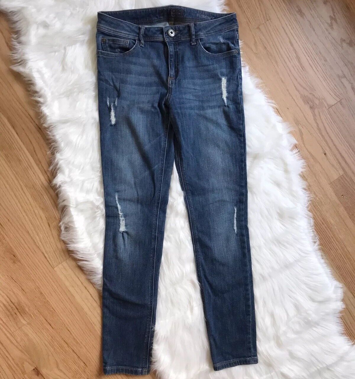 DL1961 Florence Instasculpt Distressed Skinny Jeans in Sydney Size 27