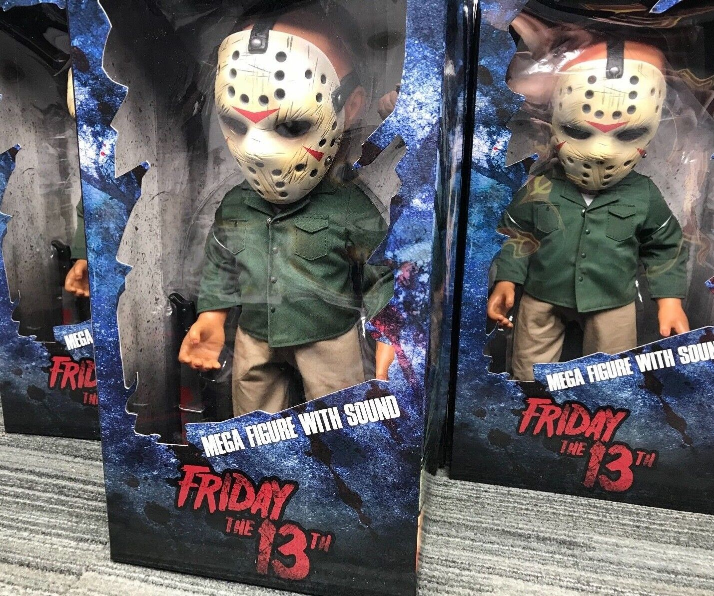 Friday 13th Jason Voorhees Mega Scale Acción Figura with Sound Mezco Venerdi' 13