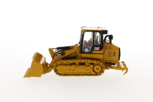 CAT CATERPILLAR 963K TRACK LOADER WITH OPERATOR 1//50 BY DIECAST MASTERS 85572