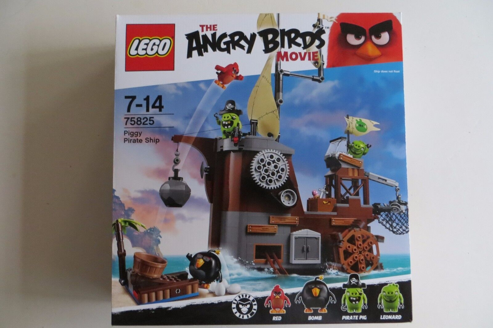 New Sealed LEGO 75825 Piggy Pirate Ship The Angry Birds Movie