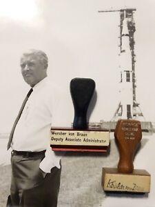 Vintage-Wernher-Von-Braun-Signature-Stamp-Personal-Desk-Set-NASA-Apollo-Rocket